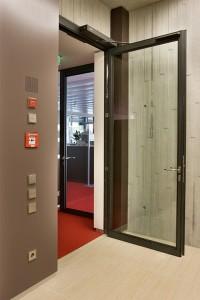 Edoors Produkte – Verriegelungssysteme, Tür, schmal geöffnet