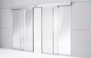 Edoors Produkte – Schiebetüranlagen, Tür halb offen